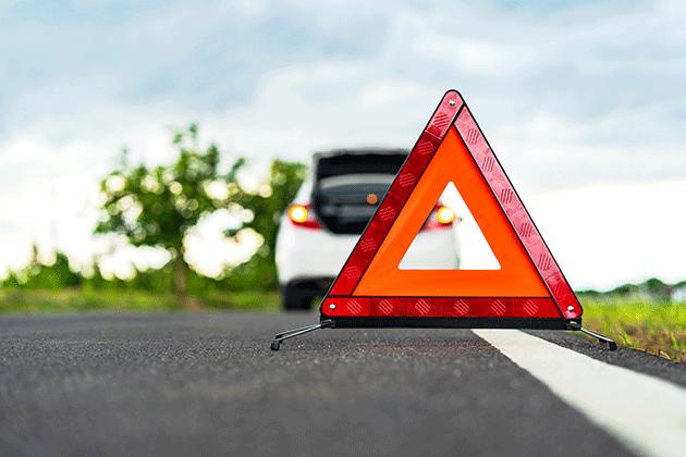 Warndreieck_Straße_Unfall